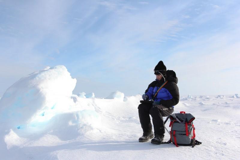 Sketching on the sea ice, photo credit: Kristin Laidre